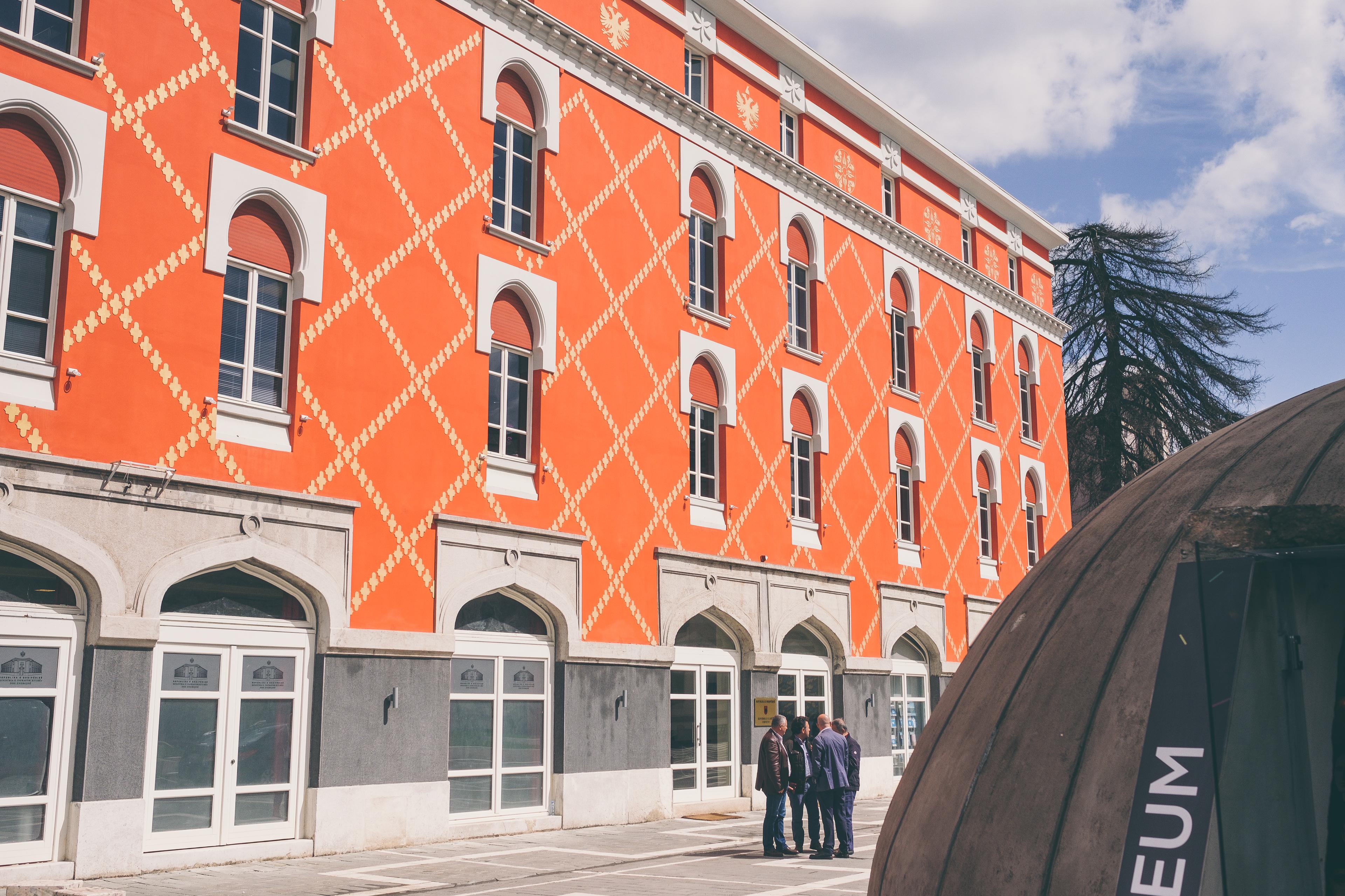 De straten van Tirana